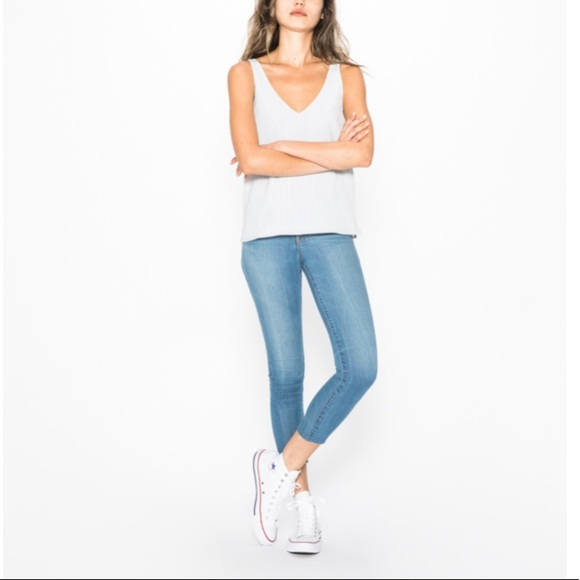 2a3f62c0614a2 NEW • Silver Jeans • Bleeker Crop Medium Wash 28